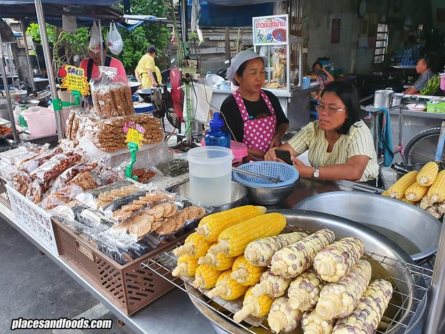 kim yong market corn stall