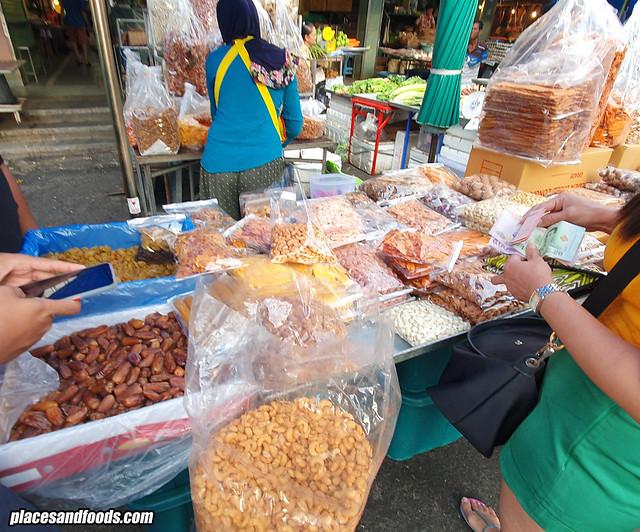 kim yong market cashew nuts