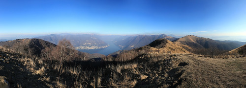 Grand view on the Como Lake, from Bolettone