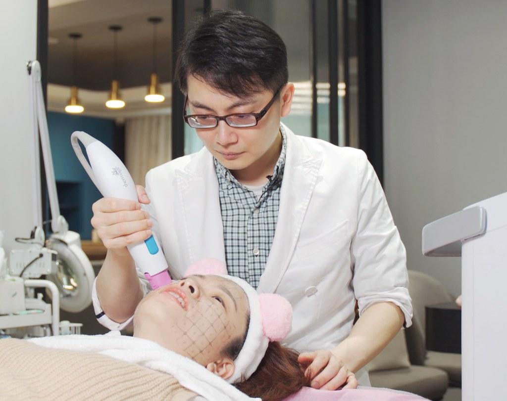 皮膚拉提、臉部拉提、皮膚除皺紋的好幫手,鳳凰電波是新世代的除皺紋機器,緊緻您的肌膚,找回肌膚年輕光采