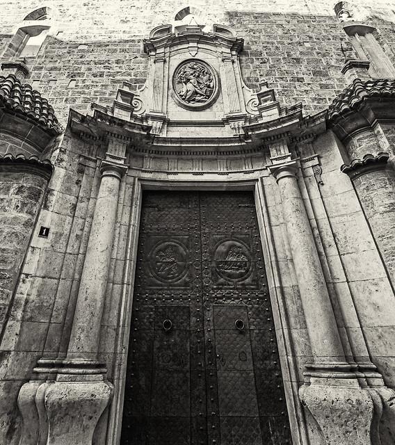 St Martin Church in Valencia (Monochrome)  (Olympus OM-D EM1.2 & M.Zuiko 7-14mm f2.8 Wide Zoom)