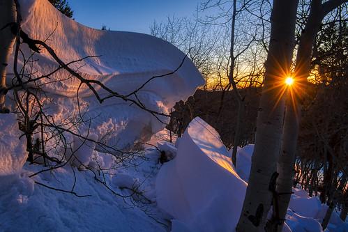 nikon d850 nikon2470mmvr finchlake colorado rockymountainnationalpark rmnp rockies snow drift sunrise shadows color landscape horizontal aspen