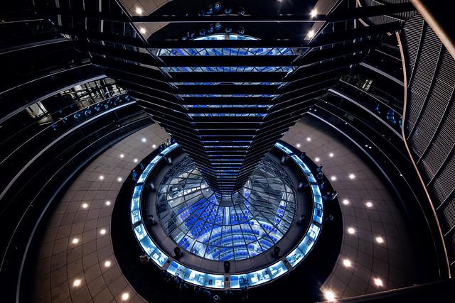 Reichstagskuppel, Blick in den Plenarsaal