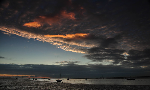 essex leighonsea sunrise clouds boats riverthames