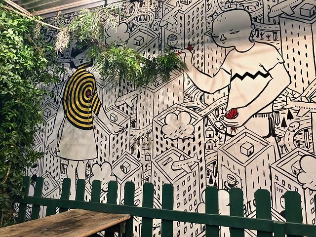Street art di Millo a Lisbona