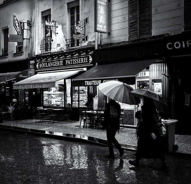 boulangerie, pâtisserie, parapluies
