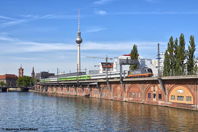 Flixtrain @ Berlin Jannowitzbrücke