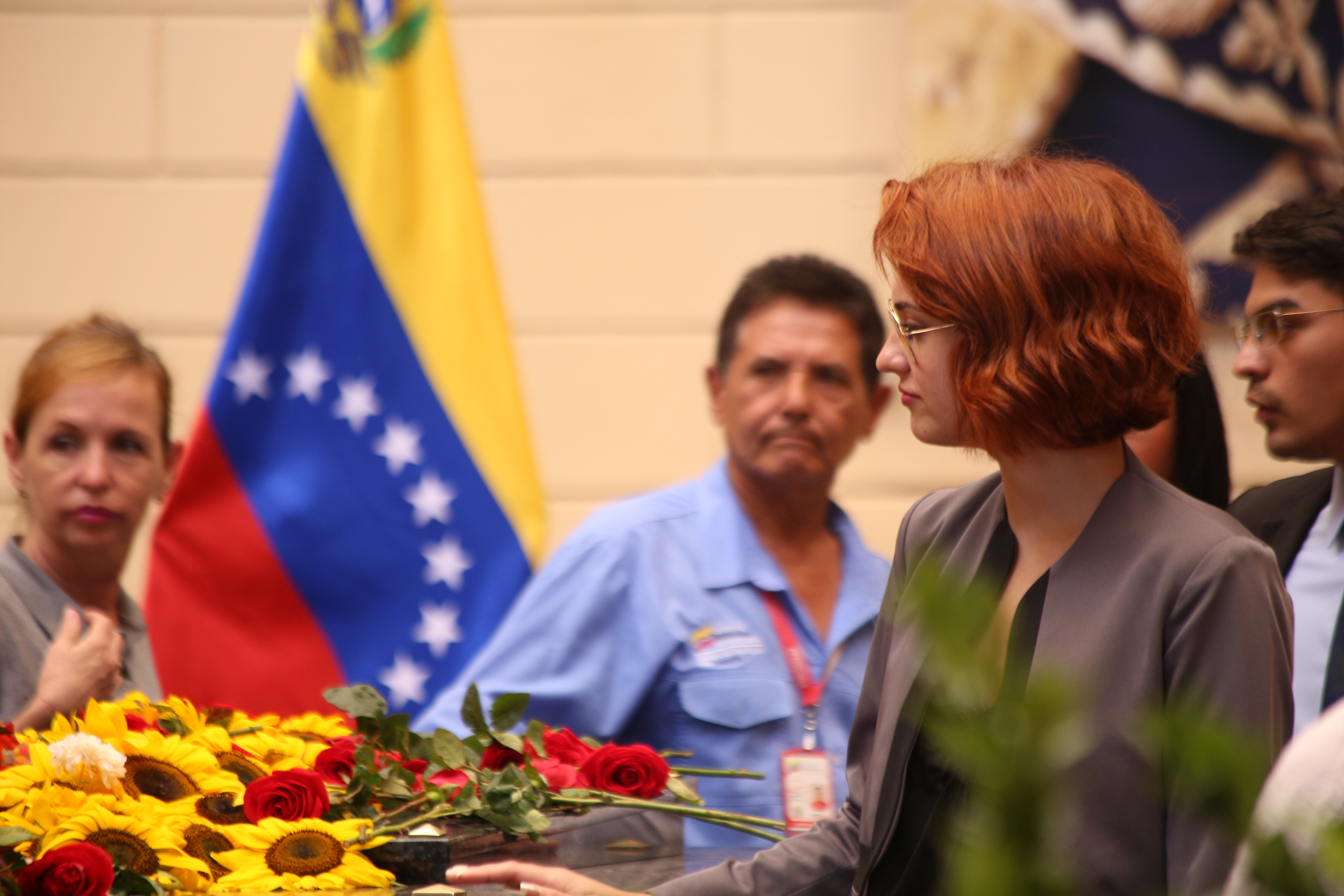 Trabajadores de la Cancillería rínden honores al comandante Hugo Chávez en el Cuartel de la Montaña
