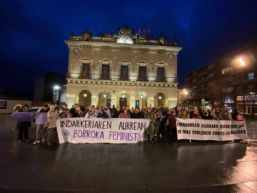 Concentracion protesta agresion. Foto: EH Bildu