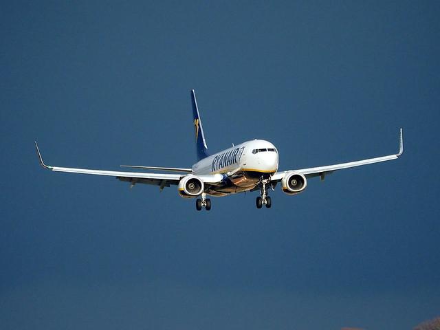 Boeing 737NG 8ASW 9H-QCQ Air Malta Ryanair EGPH 07053020