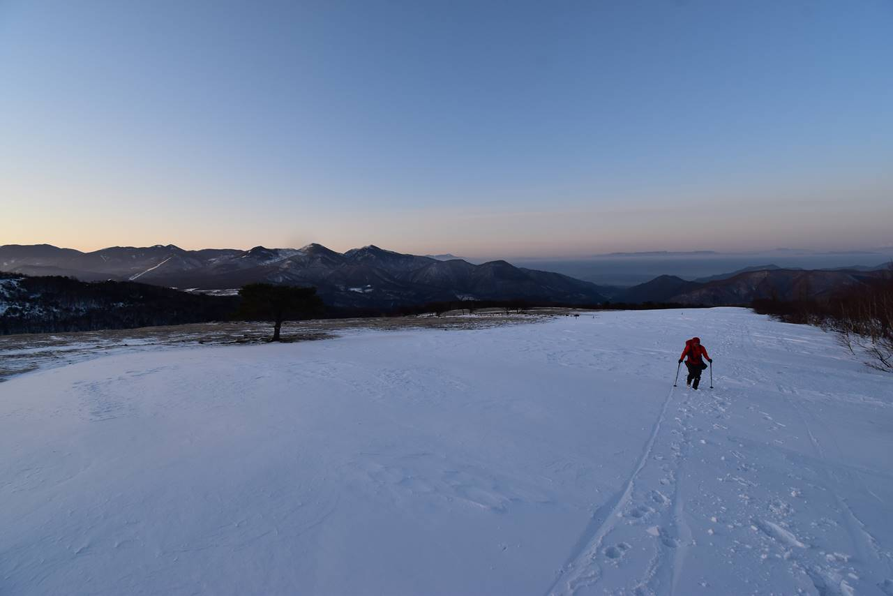 夜明けの四阿山登山