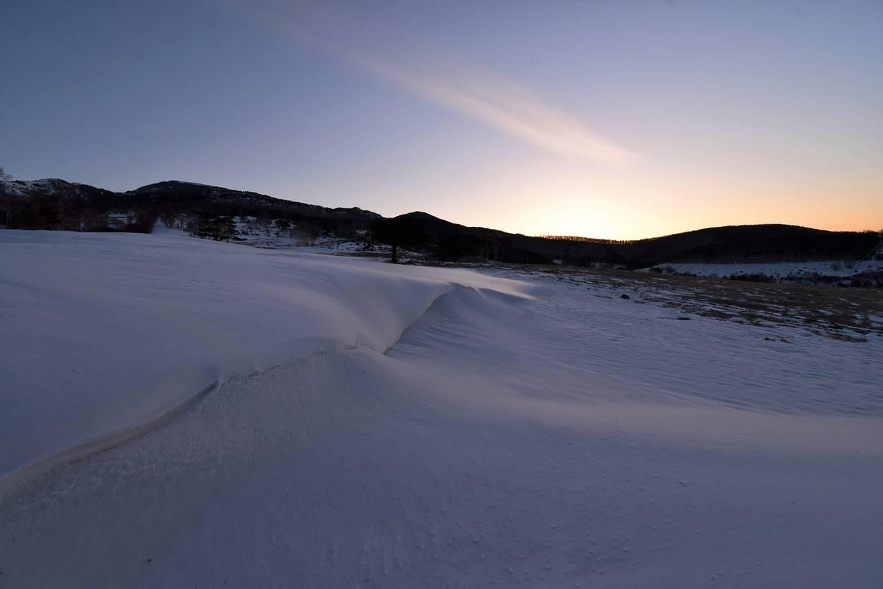四阿山 雪の牧場から迎えるご来光