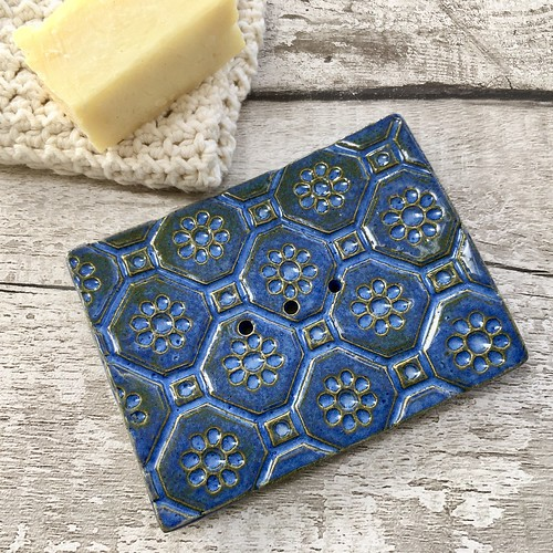 Ceramic soap dish with holes