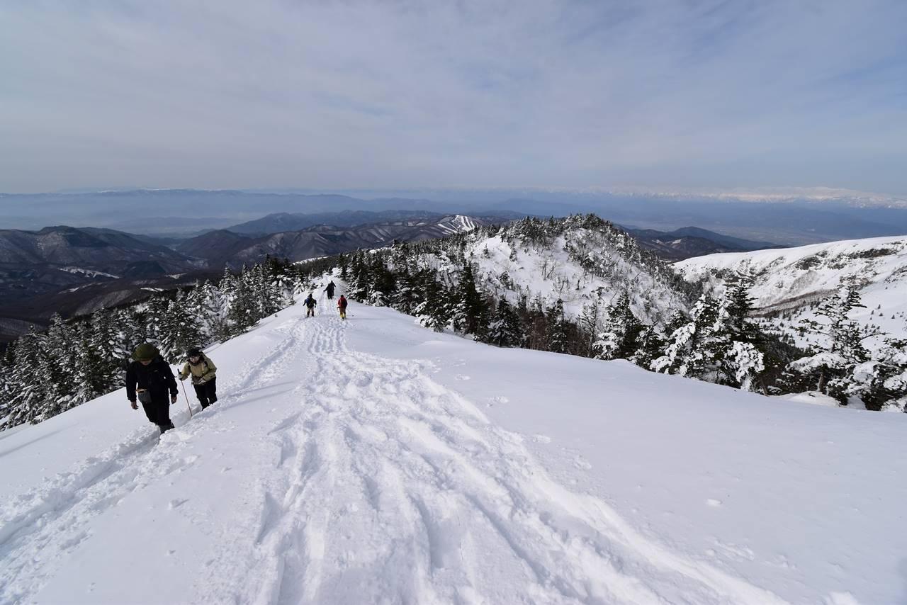 四阿山山頂から下山