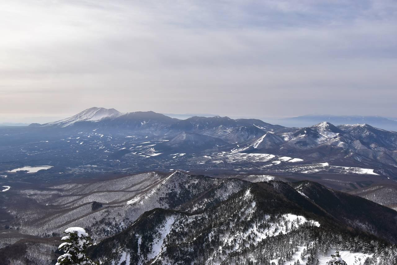 四阿山から眺める浅間山