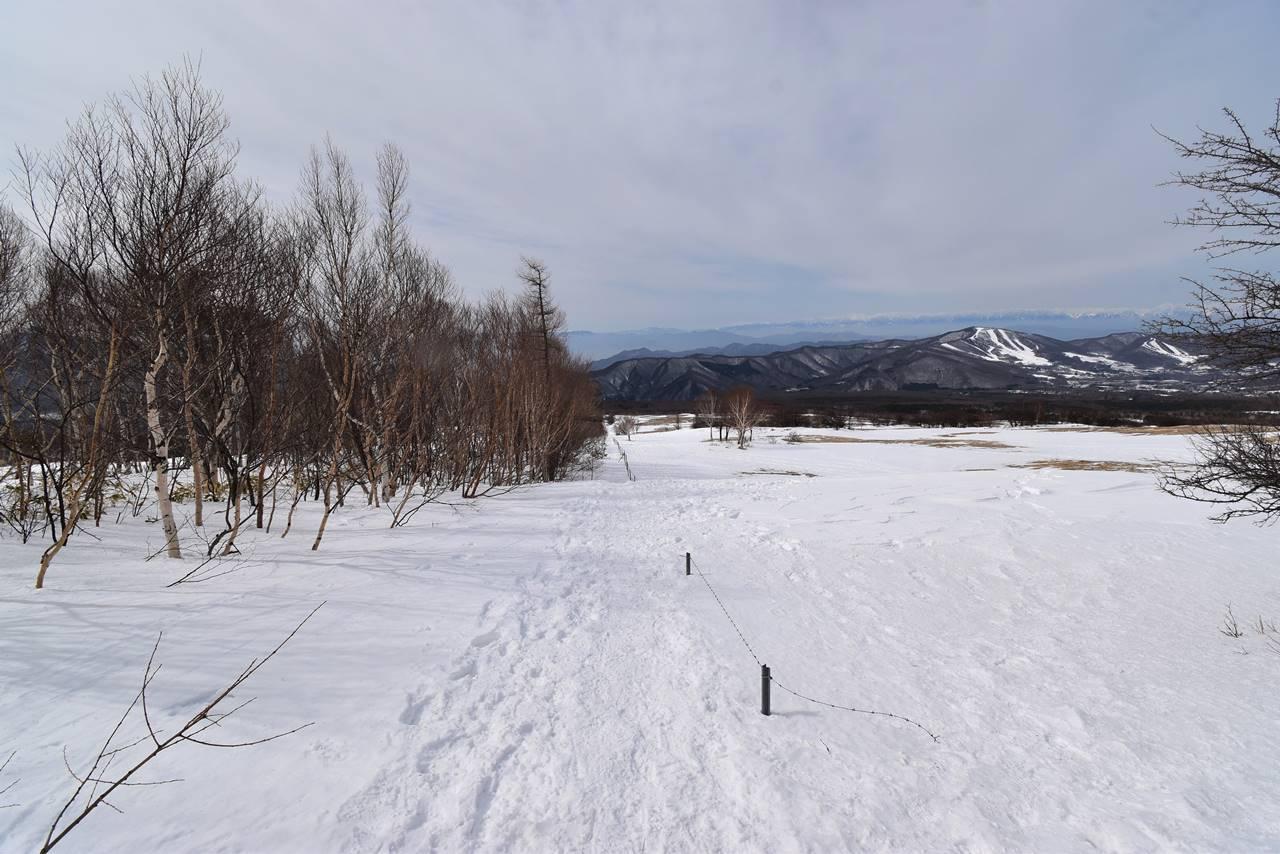 四阿山 雪の牧草地