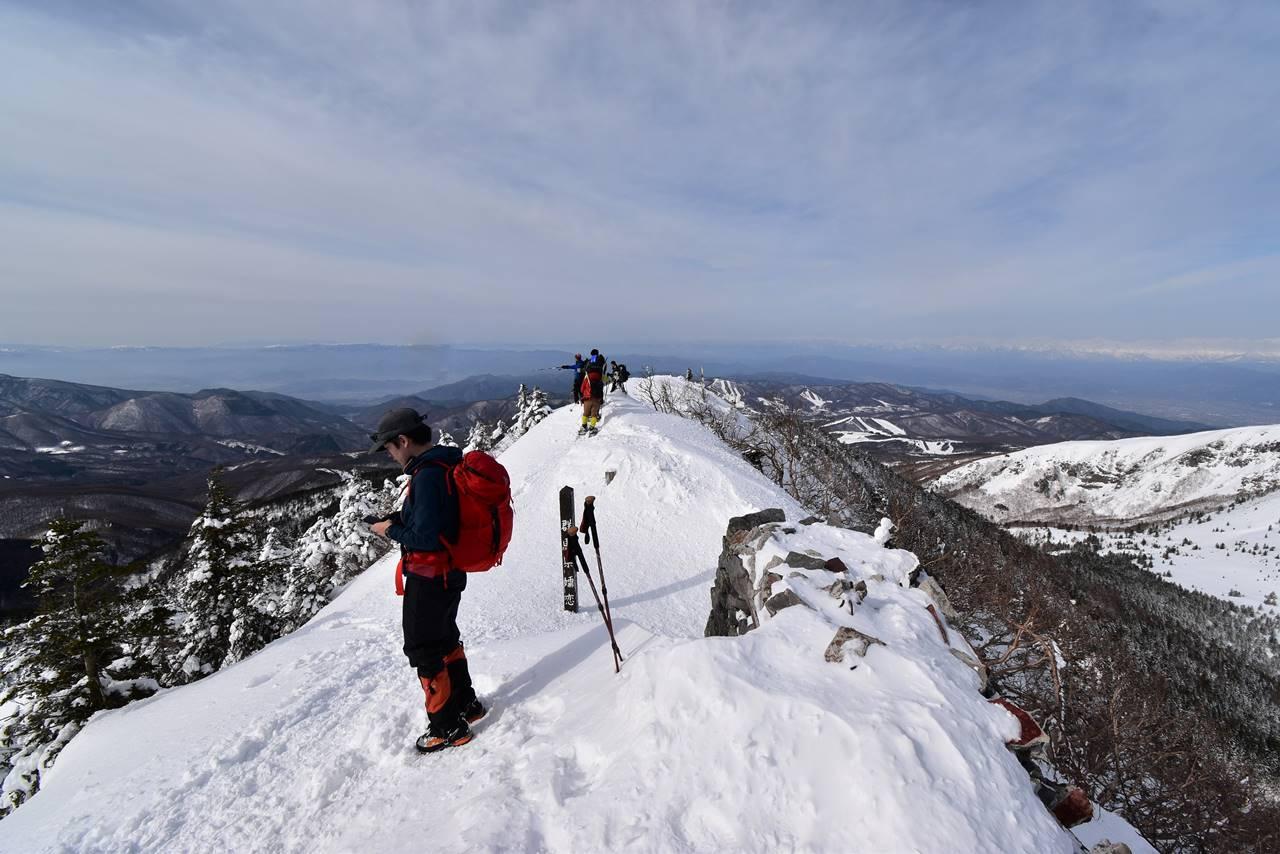 雪の四阿山山頂