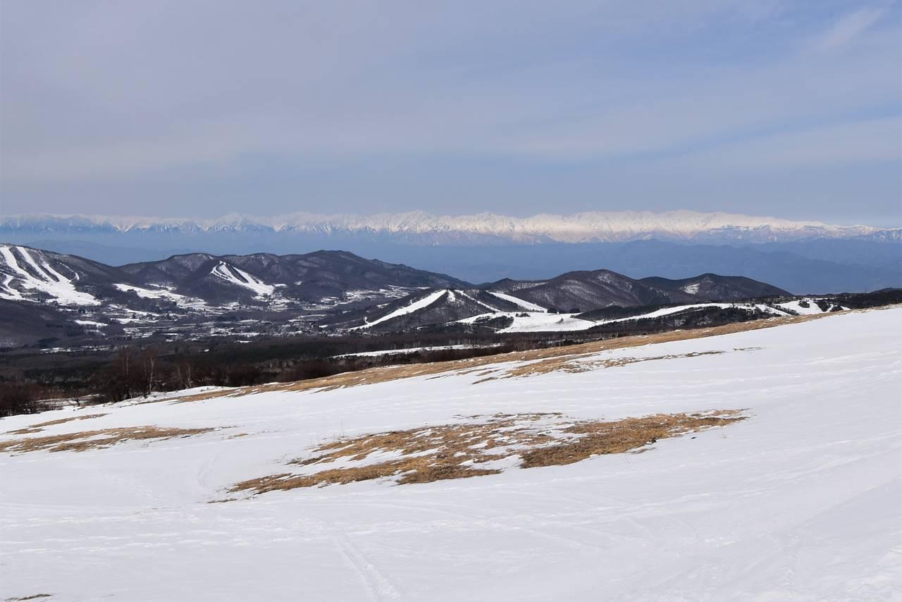 四阿山から眺める北アルプス