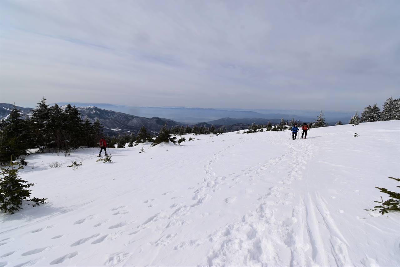 四阿山 なだらかな雪の斜面