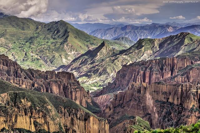 Cañón de Palca rodeado de montañas