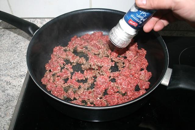 12 - Mit Salz würzen / Season with salt