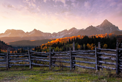 colorado rockymountains sunrise autumn sanjuanmountains sneffelsrange ridgway travelcolorado ralphlauren doublerlranch