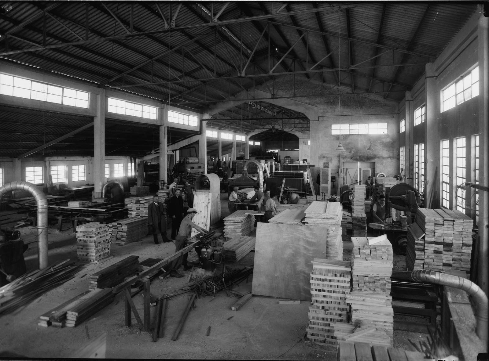 03. Реховот. Tirzah Ltd. Мебельная фабрика. В цеху