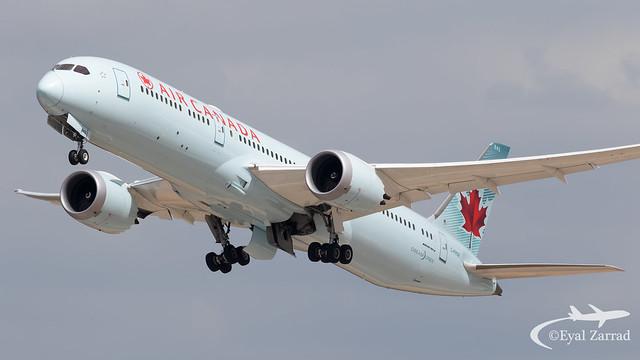 TLV - Air Canada Boeing 787-9 C-FRSE