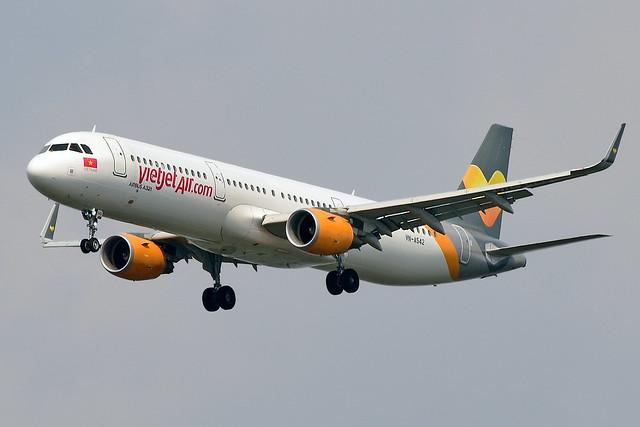 VN-A542 Vietjet Air Airbus A321-211(WL) at Bangkok Suvarnabhumi Airport on 14 January 2020
