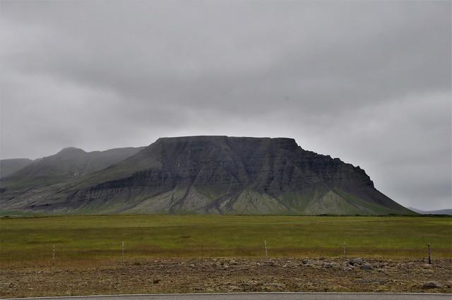 paisaje  en coche-ISLANDIA