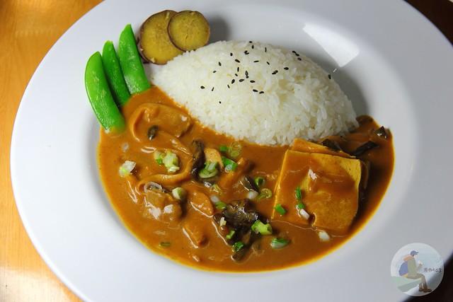咖哩食堂 curry canteen