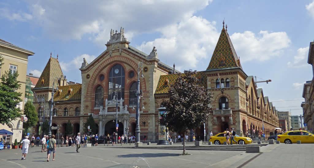 De overdekte markt in Boedapest | Mooistestedentrips.nl