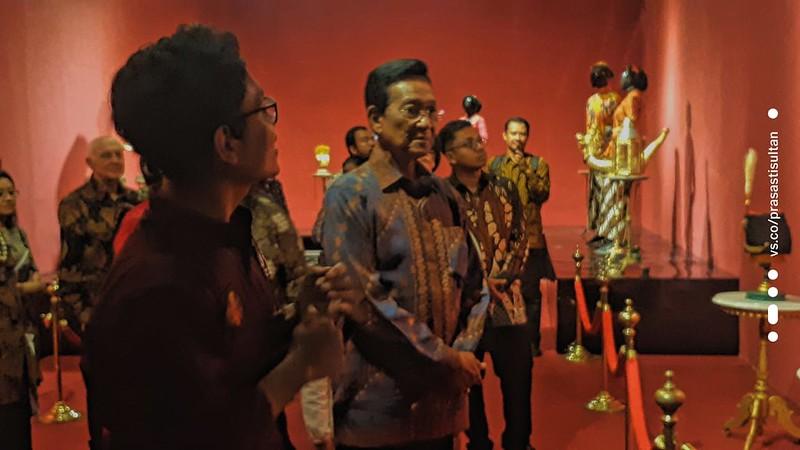 Ngarsa Dalem membuka Pameran Kraton Jogja Abalakuswa (2)