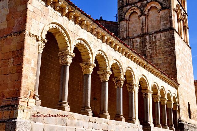 702 - Atrio - Iglesia San Esteban – Segovia - Spain.