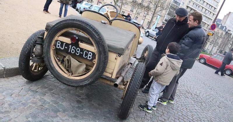 La passion des automobiles anciennes sur trois générations 49636331312_8d610afe4c_c