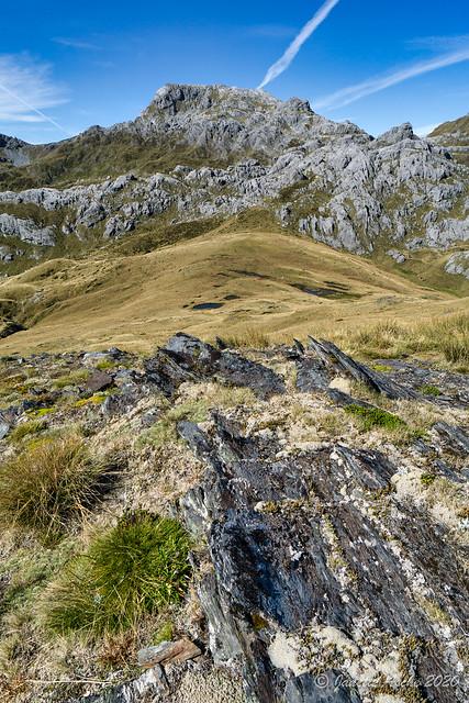 Rock fault towards Mt Owen