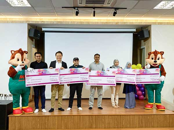 "Marrybrown ""Makan & Menang"" Prize-Giving Ceremony : RM 10000 winners"