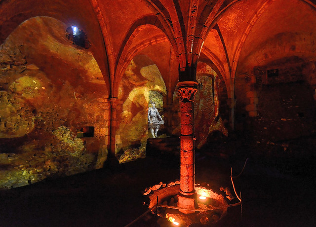 Meung-sur-Loire (Loiret) - Château - Vidéo dans les sous-sols