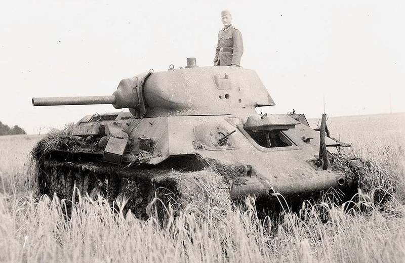 captain-price-official: Knocked out T-34, 1941