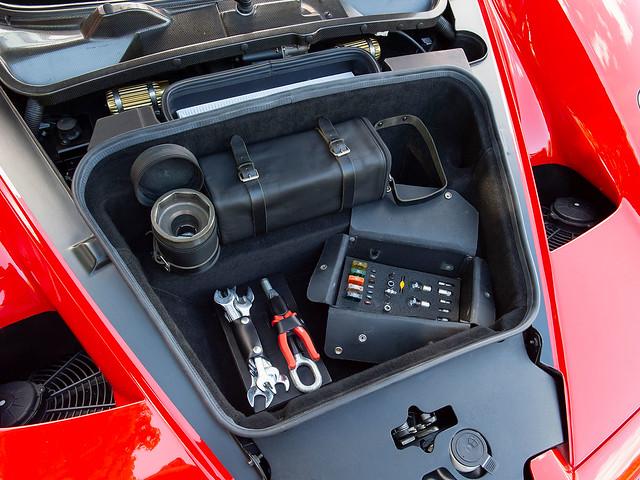 Ferrari-Enzo-30