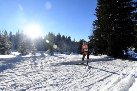 Na Zadově není sníh, ČEZ SkiTour uzavře sezonu o týden později v Krkonoších