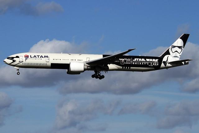PT-MUA | LATAM Airlines Boeing 777-32W(ER) | London Heathrow Airport EGLL/LHR | 01/03/20
