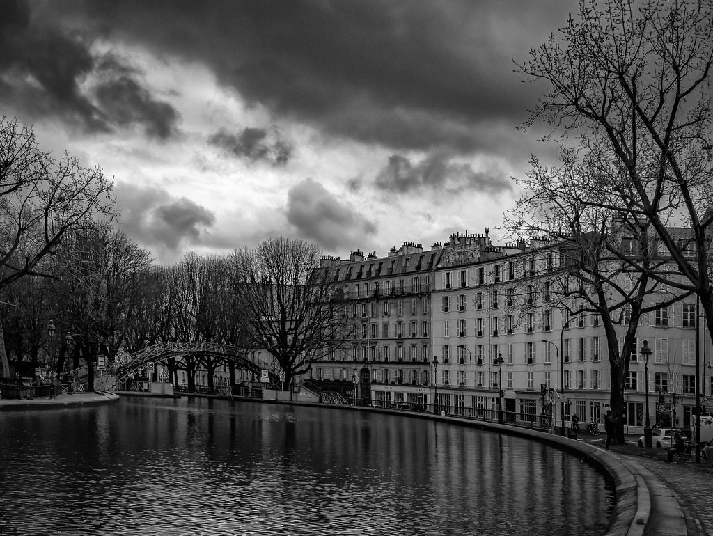 Le Canal St Martin avant la pluie... 49640896438_9d4bcc40ce_b