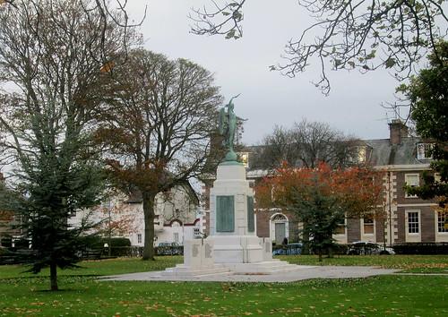 Montrose War Memorial
