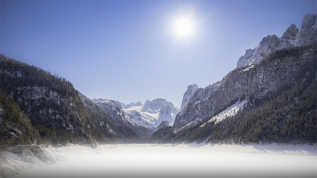 _DSC4972 Fog is in the empty reservoir - Gosau / Upper-Austria