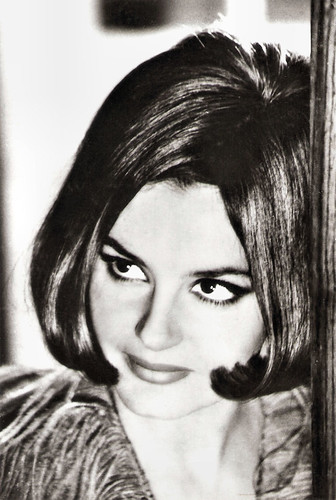 Rossana Podestà in 7 uomini d'oro (1965)