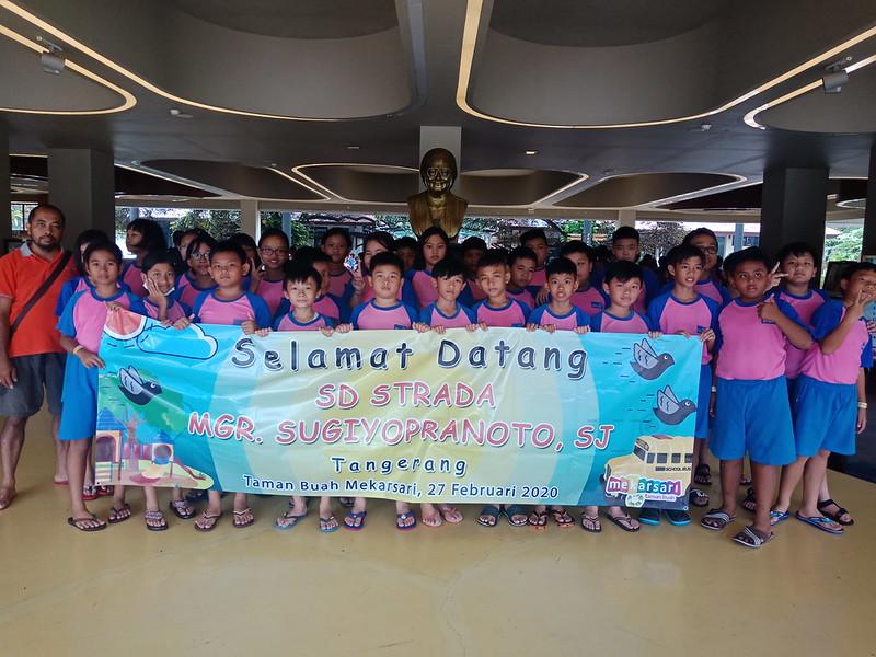 Studi wisata Kelas IV, V, dan VI SD Strada Sugiyopranoto, SJ Ke Mekar Sari