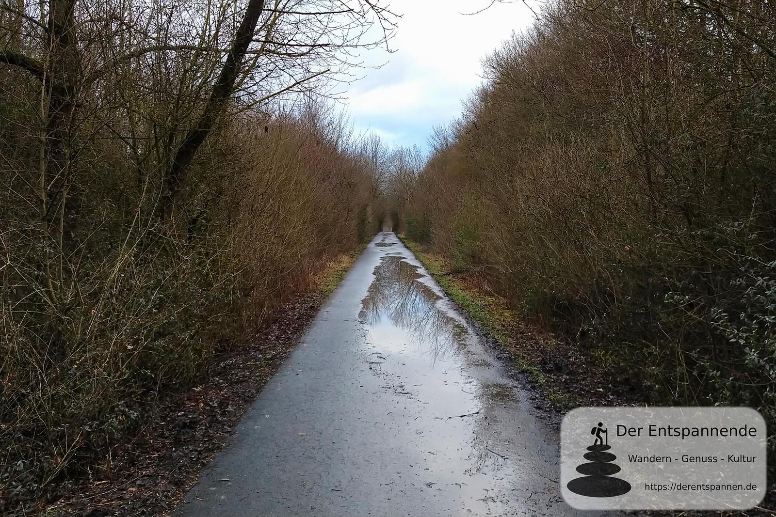 Amiche, alte Bahnstrecke und jetziger Rad- und Spazierweg