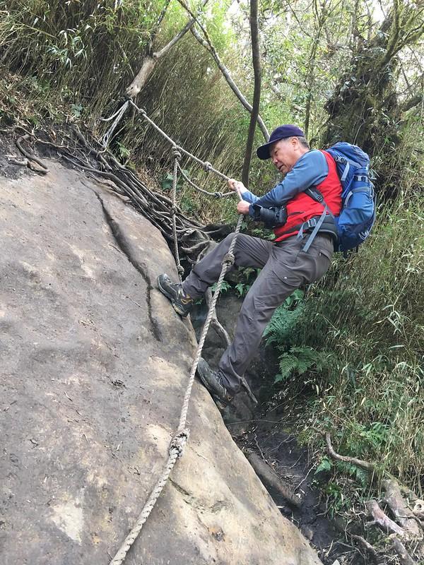 加里山拉繩陡登路段 (7)