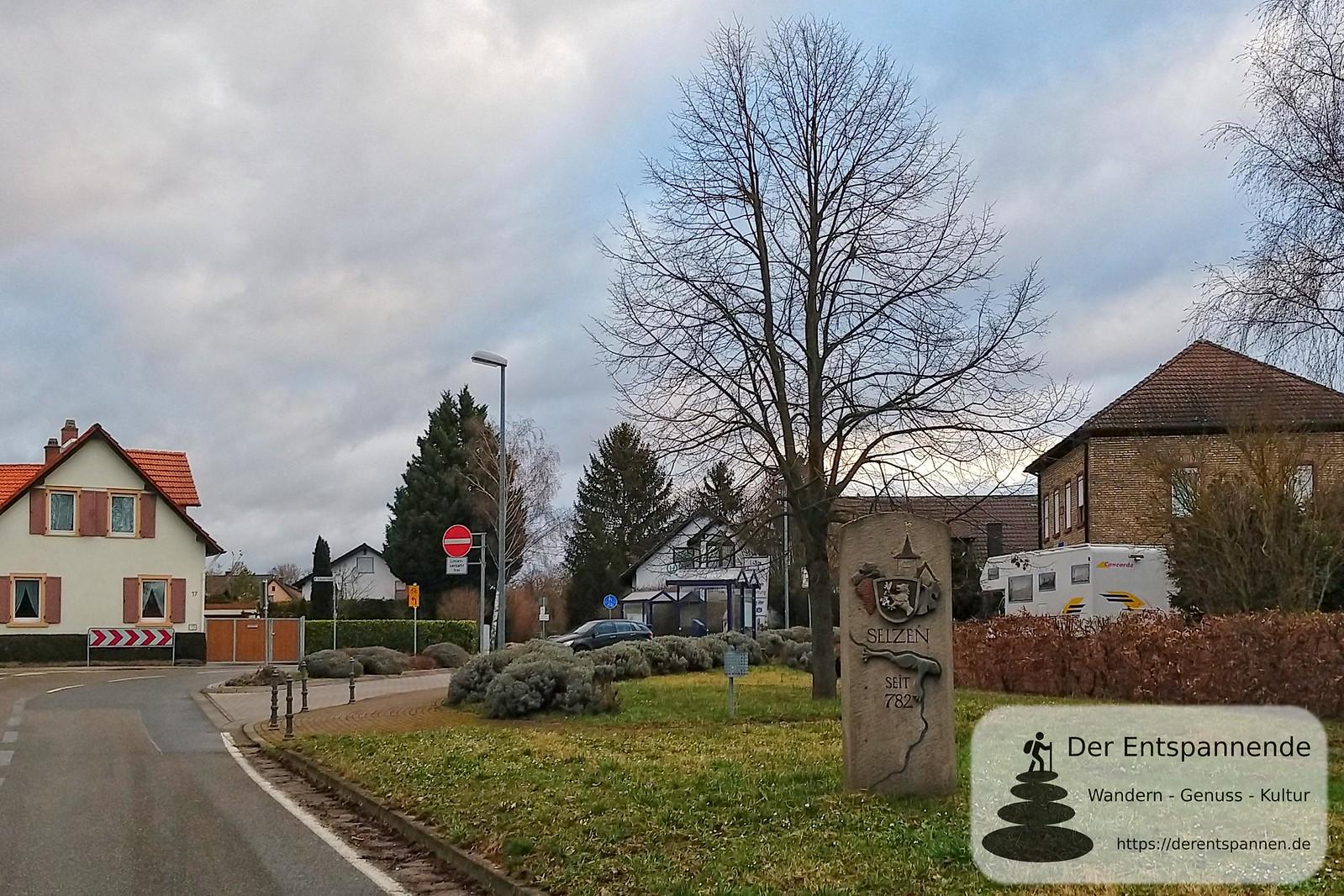Ortseingang Selzen (K 37, Bahnhofstr.), ehemalige Bahnstrecke Alzey-Bodenheim (Amiche)